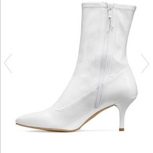 Stuart Weitzman Shoes - Stuart Weitzman cling white boots
